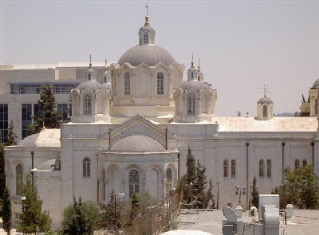כנסיית השילוש הקדוש - מגרש הרוסים